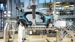 Volkswagen išče primat na področju e-mobilnosti, obeta se pocenitev vozil