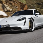 Taycan - še za 0,2 boljši pospešek! (foto: Porsche)