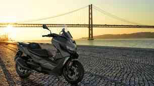 BMW C400 X in X400 GT - fino obrušena in v novih barvah