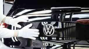 Volkswagen vendarle ne bo Voltswagen