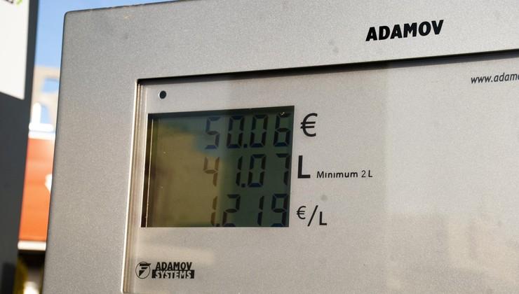 Cene goriv v Sloveniji - Cene gredo v nebo, a ne zavoljo trgovcev