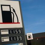 Cene goriv v Sloveniji so precej različne, za največjo razliko pa skrbijo samodejne bencinske črpalke trgovskih verig, kjer smo našli tako najcenejše kot tudi najdražje gorivo. (foto: Jure Šujica)