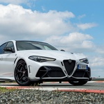 To je najdražji serijski Alfa Romeo! (foto: Alfa Romeo)