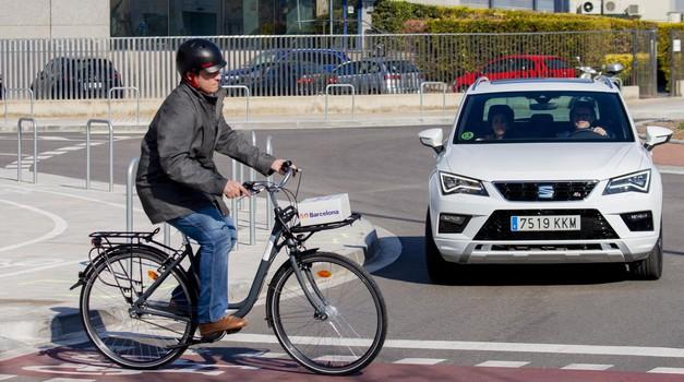 Policija predstavlja novo akcijo, tokrat pod drobnogledom kolesarji (foto: Seat)