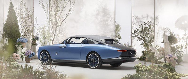 Rolls-Royce z 'Boat Tailom' znova obuja pozabljeno tradicijo.