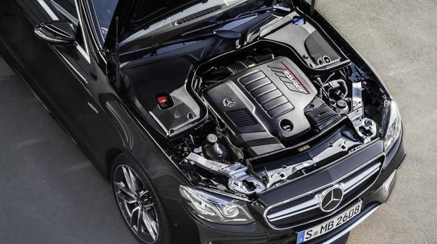 Vrstni šestvaljni motorji - Kako veličastna bo vrnitev vrstnega šestvaljnika? (foto: Daimler Ag - Global Communicatio)