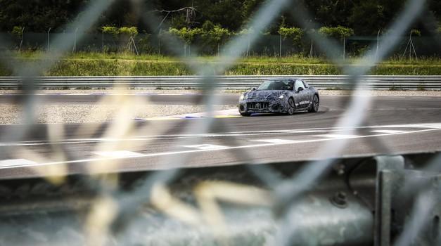 Potrjeno: prihaja Maserati za ljubitelje klasike, tu so prve fotografije! (foto: Maserati)