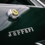 Čeprav Enzo Ferrari nad idejo ni bil navdušen, pa je Harrah na avtomobilu vseeno zadržal slovitega črnega vranca - hkrati pa dal izdelati svoj logotip in značko v slogu Ferrarijevih (foto: Alec Löckmann)