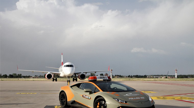 Letališče v Bologni ima novo najhitrejše spremljevalno vozilo! (foto: Lamborghini)