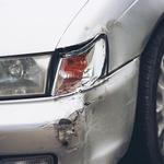 Obtolčeni in opraskani deli avtomobila so med prvimi znaki zmanjšane sposobnosti za varno vožnjo. (foto: Ace)
