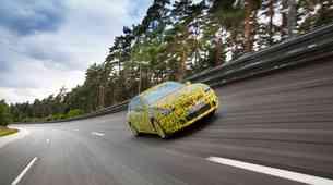 11. generacija Opel Astre kuka izpod krinke