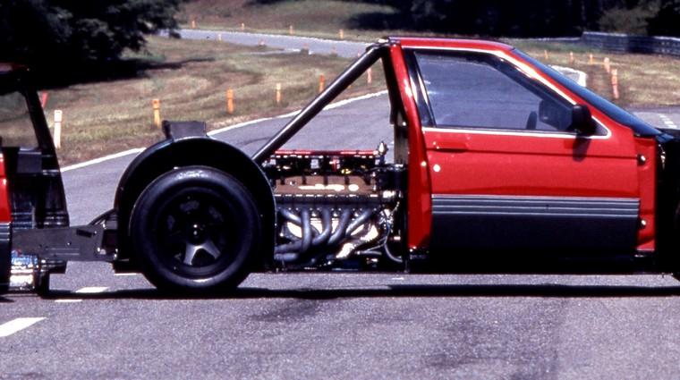 Želite izdelati repliko dirkalnika Alfa Romeo 164 Procar? Naprodaj je glavna komponenta! (foto: Alfa Romeo)