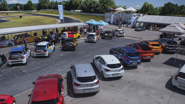 Dirkaški vikend na Racelandu dokazal, da Slovenci obožujemo adrenalin (foto: Tine Kušar)