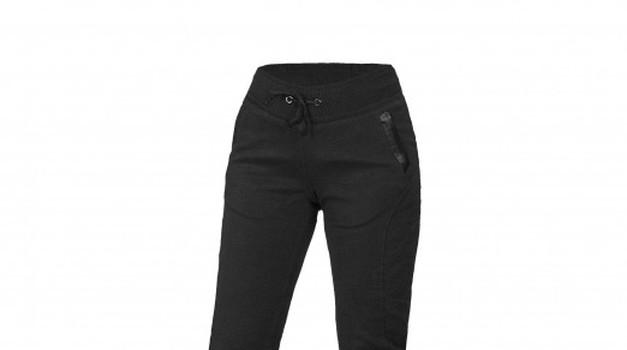 Oprema: ženske motoristične hlače Macna Niche - udobje za celo leto in še posebej za poleti (foto: macna)