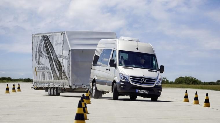 Priklopna vozila- Vse svoje vozim s seboj (foto: Daimler Ag - Global Communicatio)