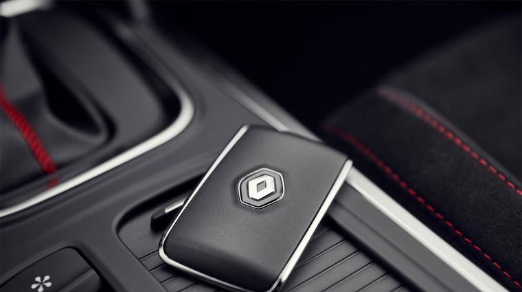 Renault je bil eden prvih avtomobilskih proizvajalcev, ki je klasične avtomobilske ključe začel nadomeščati s karticami. Podoben format je obdržal vse do današnjih dni. (foto: Avto Magazin)