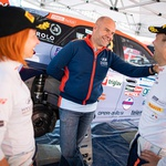 Roka Turka in Blanko Kacin (letos jo je menjal Vili Ošlaj) je predlani vzpobujal tudi šef Hyundaijevega motošporta Andrea Adamo. (foto: Uroš Modlic)
