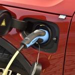 Opuščanje motorjev z notranjim izgorevanjem - Je bencinarjem in dizlom odklenkalo? (foto: Bernhard_Limberger)