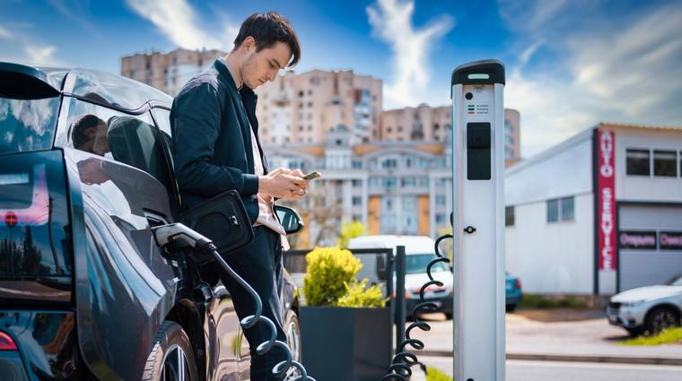 Električne polnilnice v večstanovanjskih stavbah - Kdaj lahko pričakujemo spremembe? (foto: Freepik)