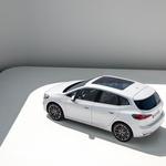 Premiera: BMW pohitel, naslednji novinec bo na trgu že februarja, prinaša pa kopico novosti, ki jih še nikoli niso uporabili (foto: BMW)