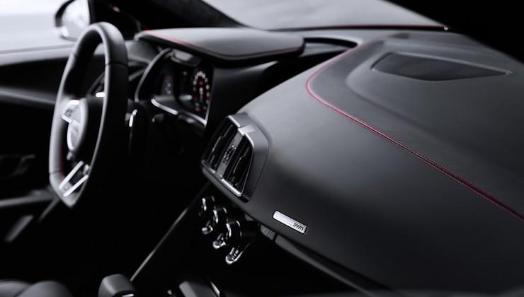 Spoznajte (skoraj) najmočnejši serijski avtomobil s pogonom na zadnji kolesni par! Gre za osnovo pravega dirkalnika!