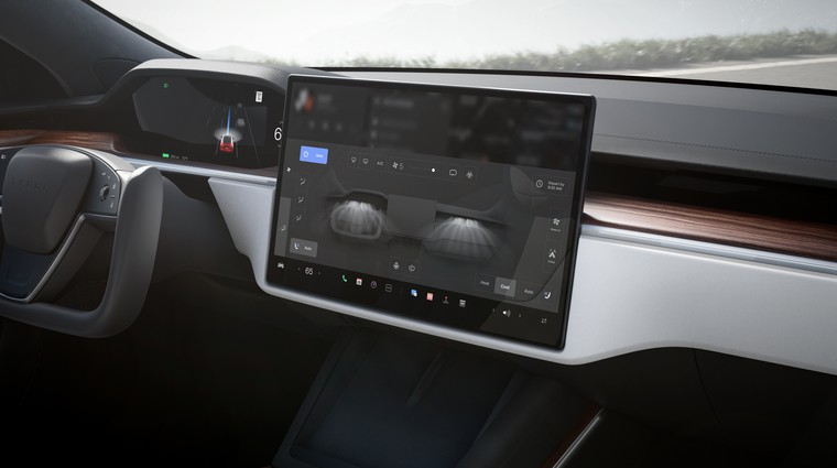 Kibernetska varnost v vozilih: skrb pred zlorabo informacij je vse večja (foto: Tesla)