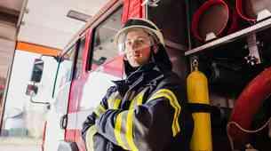 NAGRADNA IGRA: Občutite za en dan adrenalin gasilca na intervencijski vožnji